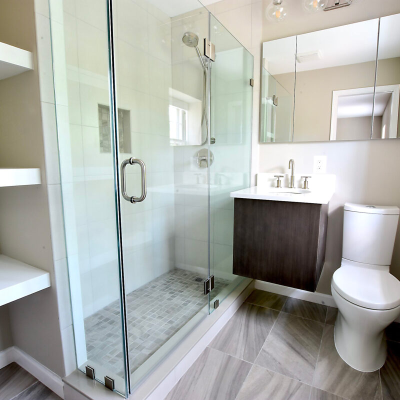 Before/After :: A Brand New Modern Bathroom