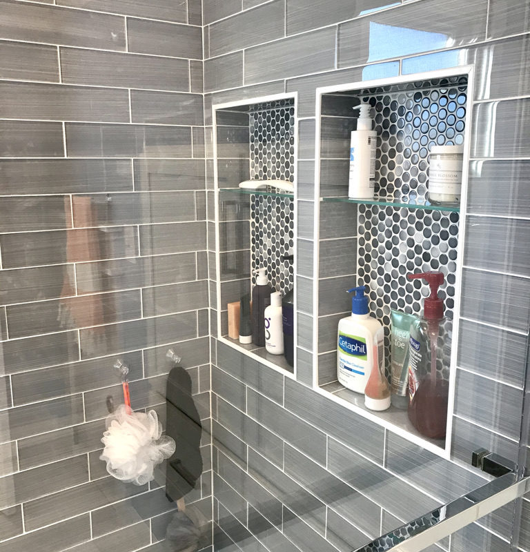 Before/After :: A New Sparkly Bathroom